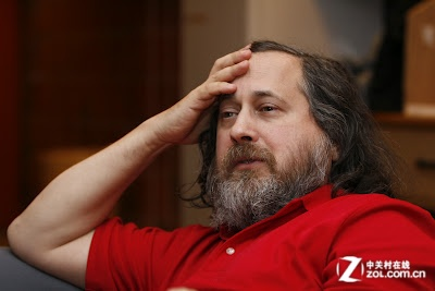 Linux开源大旗 到底应该由谁来领导