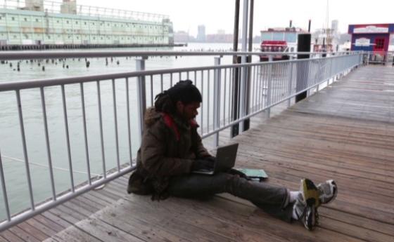homeless-computer-coder