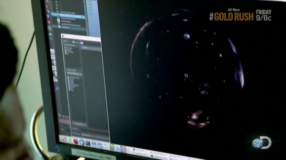 Wormhole-in-Interstellar-Movie-Designed-with-a-Linux-OS-465762-4