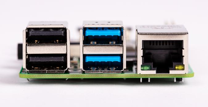 Raspberry Pi 4 USBs